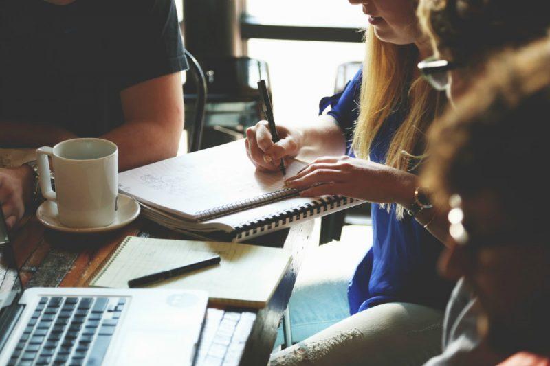 Bola de cristal da produtividade: aprenda a identificar equipe desmotivada