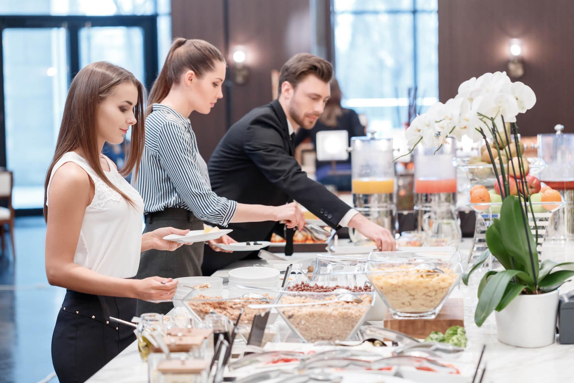Como escolher o fornecedor ideal de buffet para eventos corporativos?