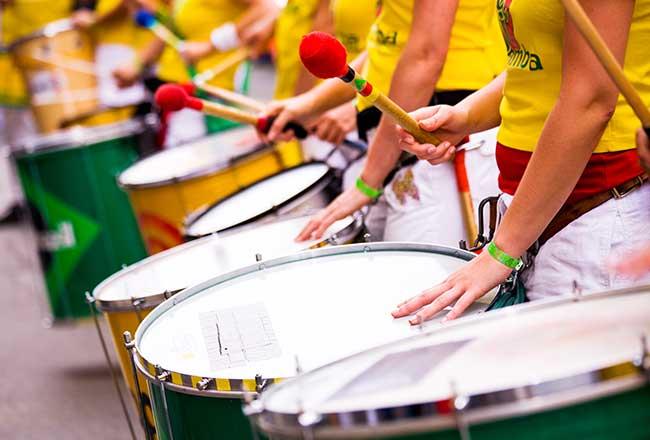 Carnaval: leve o time de sua empresa para brilhar na maior festa do Brasil